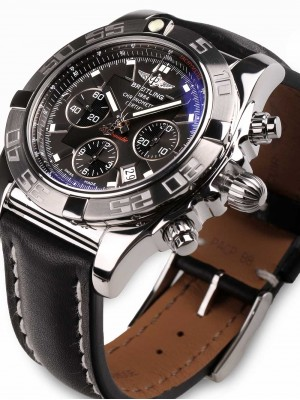 Мъжки часовник Breitling Chronomat 44 AB011011.M524.435X